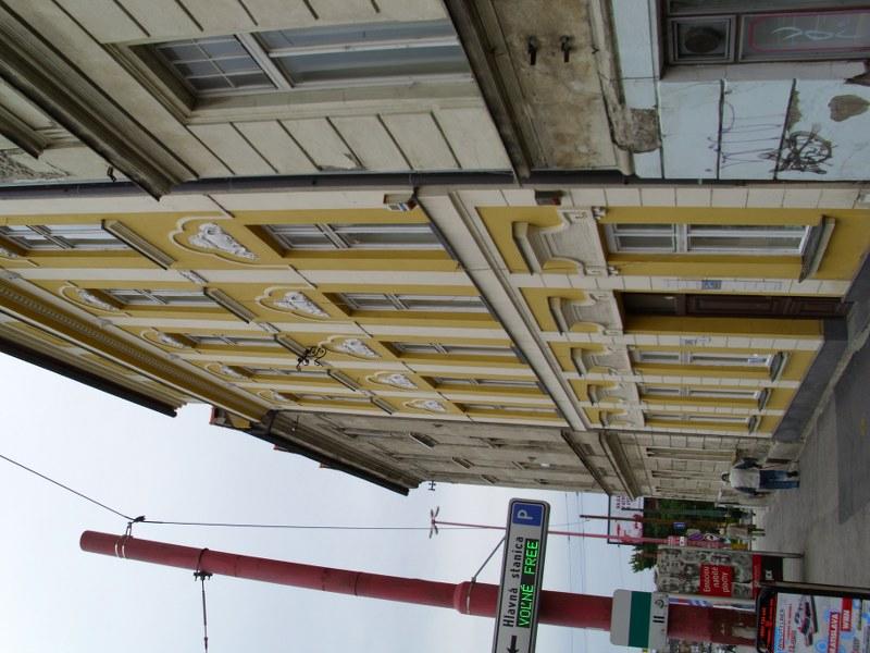 Čistenie a umývanie okien, fasády, žalúzií Bratislava