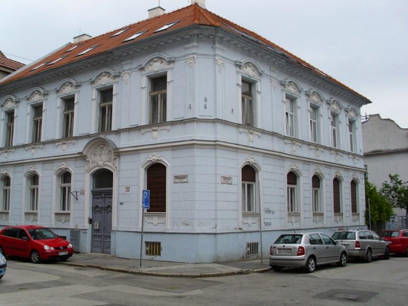 Čistenie a umývanie okien, fasády, žalúzií Bratislava1